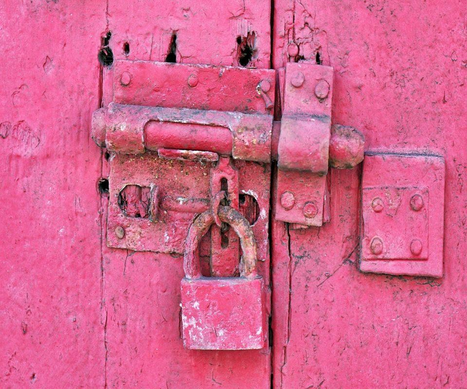 antique-dirty-door-157203