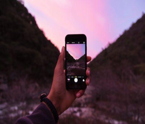 apple-camera-hand-7764